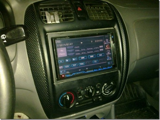 fake-car-radio-10