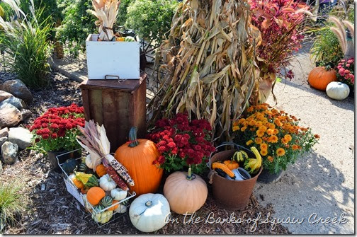fall exterior decor