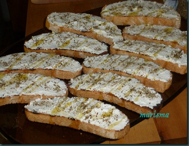 tostas de requeson con oregano copia
