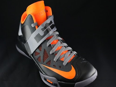 nike zoom soldier 6 gr black grey orange 2 03 New Nike Zoom LeBron Soldier VI   Black/Orange   Available