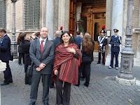 moi et Milagro devant le sénat 1.jpg