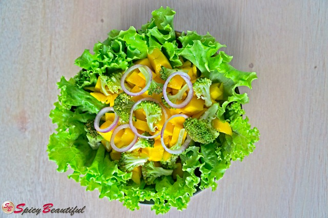 Mango,-Broccoli-and-Curly-Lettuce-Salad-with-Red-Onions
