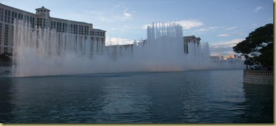 B Bellagio Fountains-001