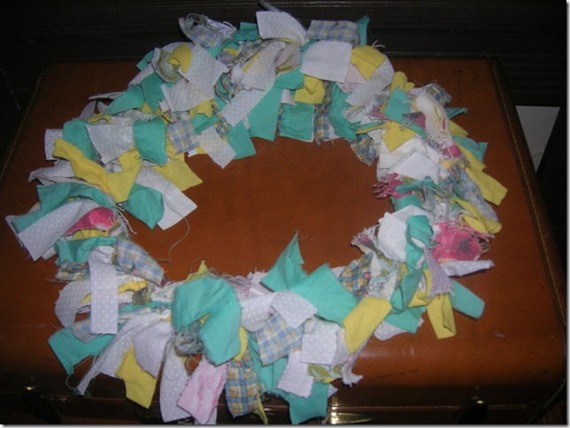 friendshare and spring decorating rag wreath 016