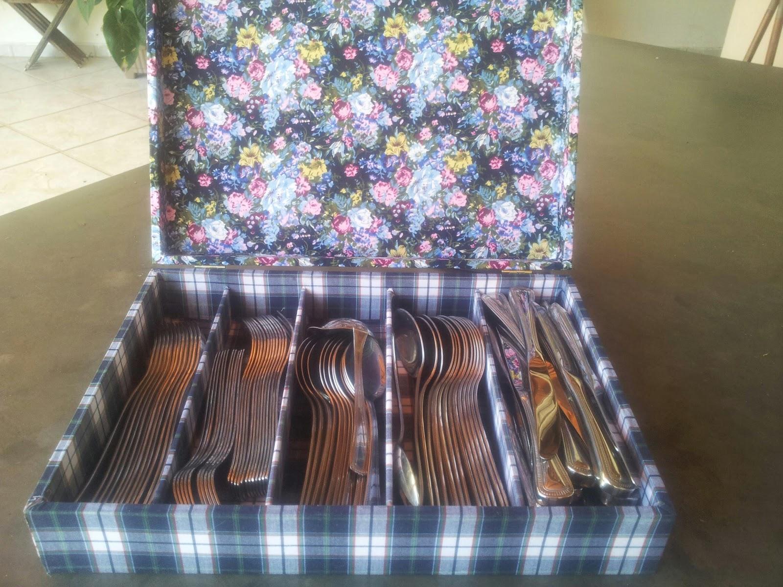 Adesivo De Guarda Roupa Infantil ~ Artesanatos Goi u00e2nia Mina das Artes Caixa para talheres forrada com tecido