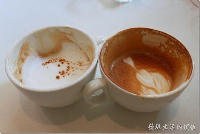 台南-看見咖啡(Vedere)早午餐。從喝過的咖啡杯可以分辨出右邊的拿鐵杯子有較多的咖啡殘留,表示拿鐵的咖啡味道比較濃,喝起來實際上也是這樣,所以我個人比較喜歡這裡的拿鐵。