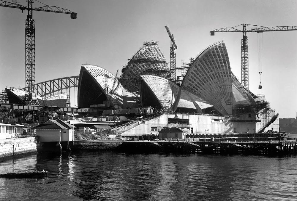 [Opera-Sydney_Jrn-Utzon_14.jpg]