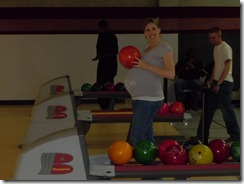 Pregnant and bowling (4)