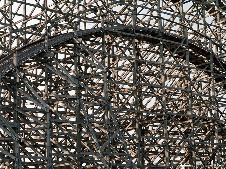 wooden-rollercoaster-9