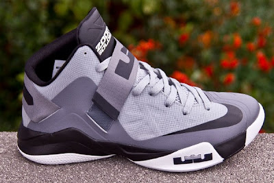 nike zoom soldier 6 gr cool grey 1 10 Recently Released Nike Zoom LeBron Soldier VI Cool Grey