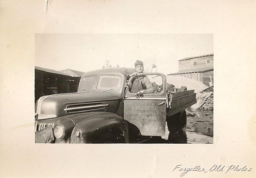 1947 Ford Pickup  Smith general Contractor Winnipeg Antiques