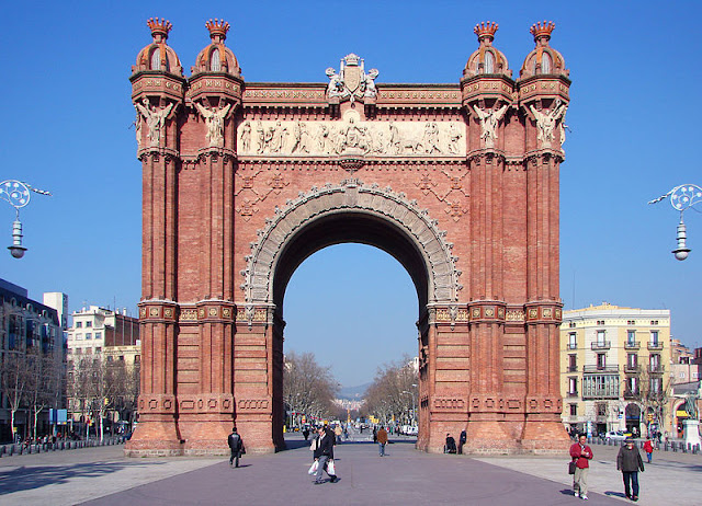 800px-Arc_de_Triomf_Barcelona.jpg
