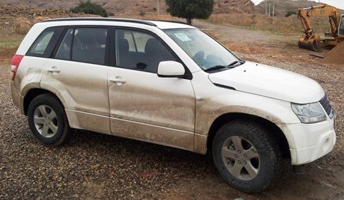 aDirty-car-in-Ahwaz_thumb4