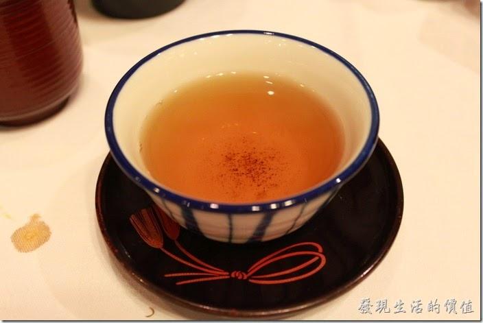 日本北九州-由布院-彩岳館。烏龍茶─解油膩最佳茶飲。