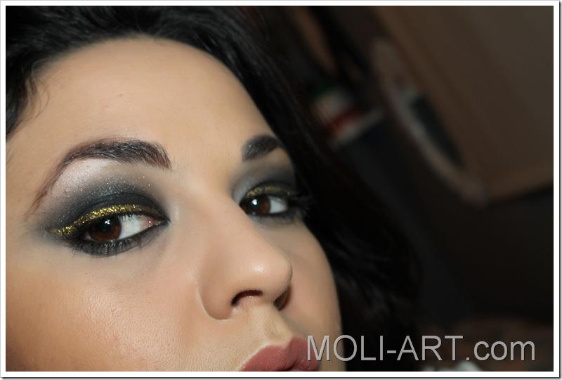 maquillaje-de-ojos-ahumado-dorado