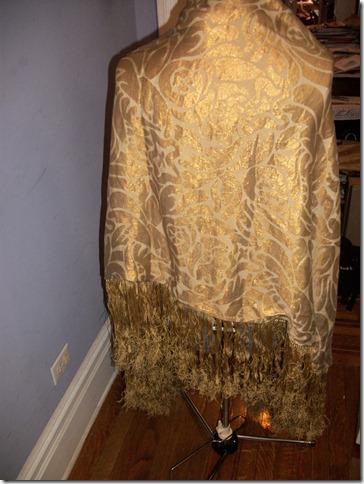 vivian shawl back