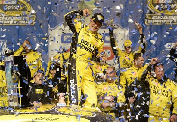 nscs_matt_kenseth_victory_lane_chicago_091513