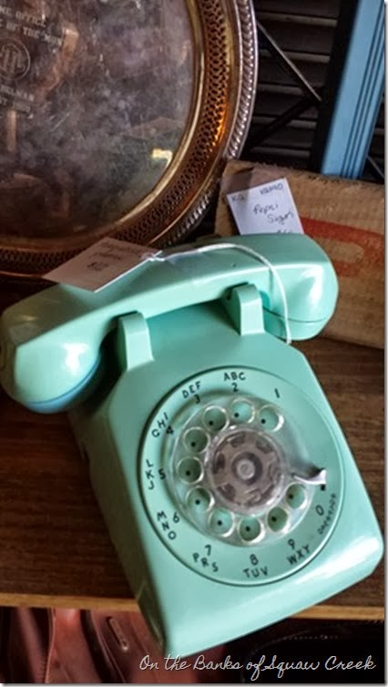 aqua vintage phone