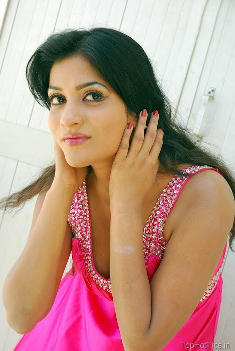 Anitha Reddy Pink Dress Pics 8