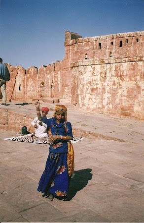 Jodphur: Rajastan Dancer