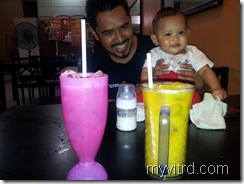 Harraz with uncle 2