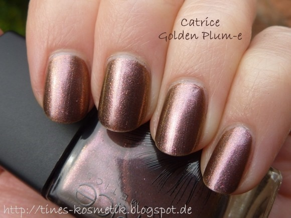 Catrice Feathered Fall Golden Plum-e 2