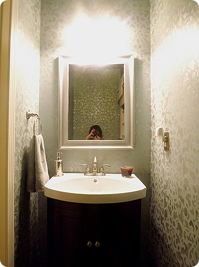 Bathroom Makeover Stenciling