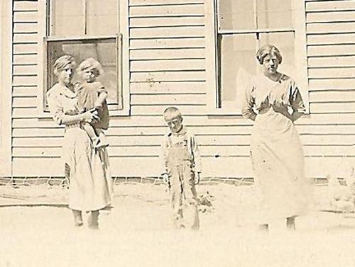 Dora Maurice Stanley and Alta Postcard Dorset1