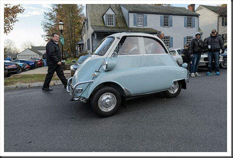 Katie's Cars and Coffee - BMW Isetta