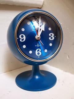 Tokyo Tokei blue clock front