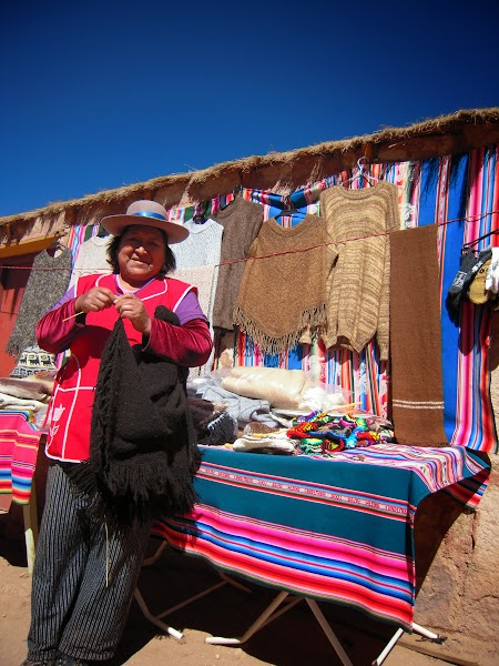 Excursie Atacama, Chile: Femei in haine traditionale