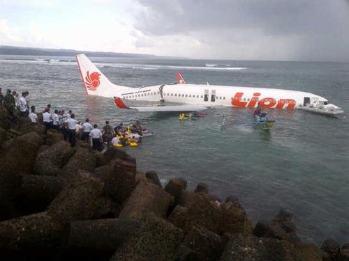Lion Air jatuh di Bali (6)