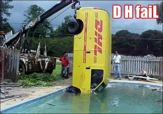 Car_In_Swiming_Pool_08