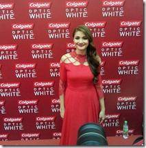 Gambar gebu Fazura pakai gaun merah ketat 3