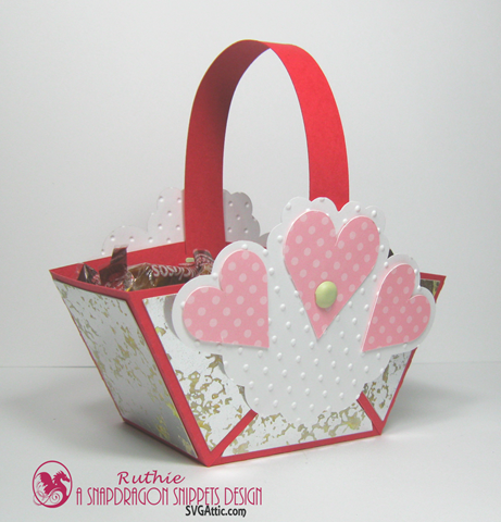 Hearts mini handle favor basket - SnapDragon Snippets - Ruthie Lopez