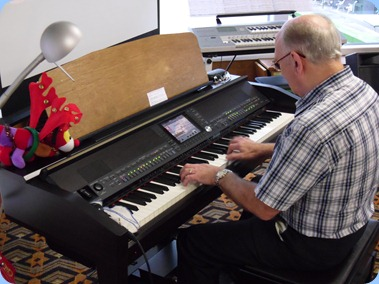 Alan Dadson played the Clavinova for us making full use of the rhythms/styles to provide magnificent orchestrations.