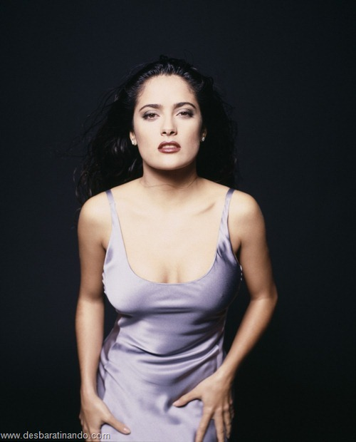 salma hayek linda sensual sexy sedutora gostosa peituda boob tits desbaratinando  (1)