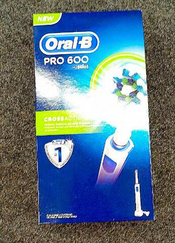 elektrische Zahnbürste Oral-B PRO 600 neues Modell