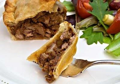 Σήμερα η γιορτή της κρεατόπιτας στα Τζανάτα (20-8-2012)