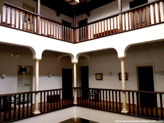 patio-interior-hotel-el-ladron-de-agua.JPG