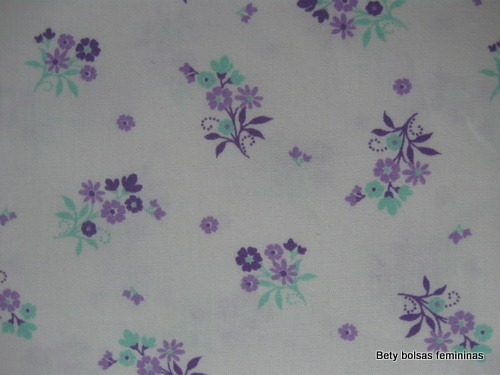 TE09-tecido-estampa-floral-pequeno-lilas