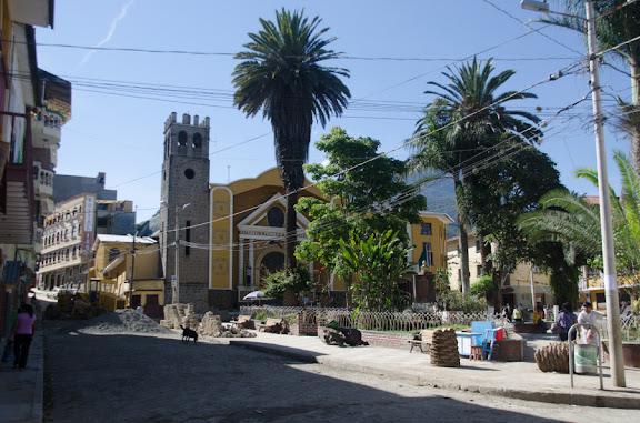 La Place centrale de Coroico, 15 octobre 2012. Photo : C. Basset