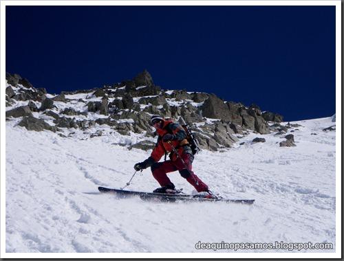 Arista NO y Descenso Cara Oeste con esquís (Pico de Arriel 2822m, Arremoulit, Pirineos) (Isra) 9454