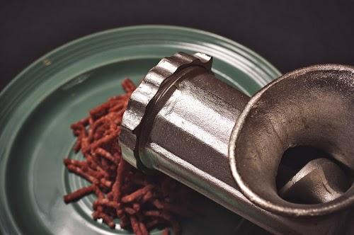 meat grinding.jpg