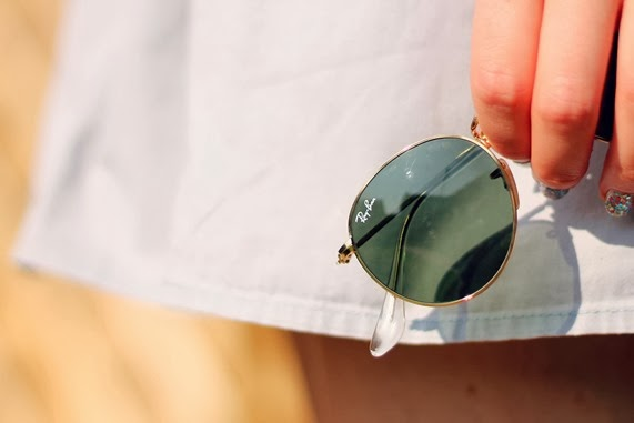 ray ban sunglasses detail