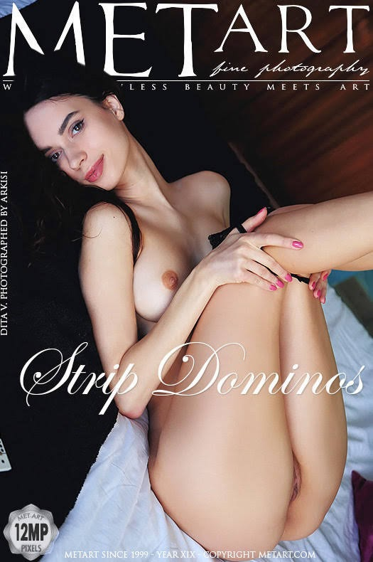 cover_90064795 [Metart] Dita V - Strip Dominos metart 10270