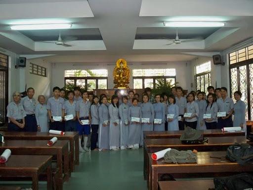 BHDTW-TraoTangHocBong2011_1.jpg