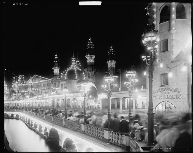 Infantincubators Luna Park Coney Islaland 1905