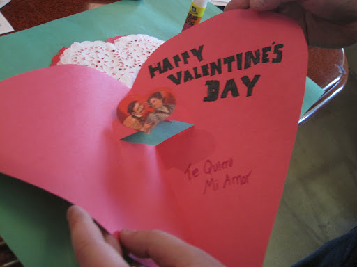 Steve made a pop-out card... and put his Spanish skills to use.