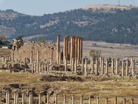 Obiective turistice Jerash: Coloane greco-romane